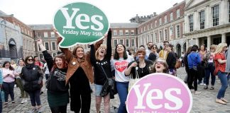 Pro-Choice supporters celebrate at Dublin Castle, Ireland. : Reuters