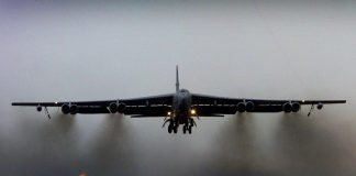 FILE PHOTO: A US B52 bomber / Reuters