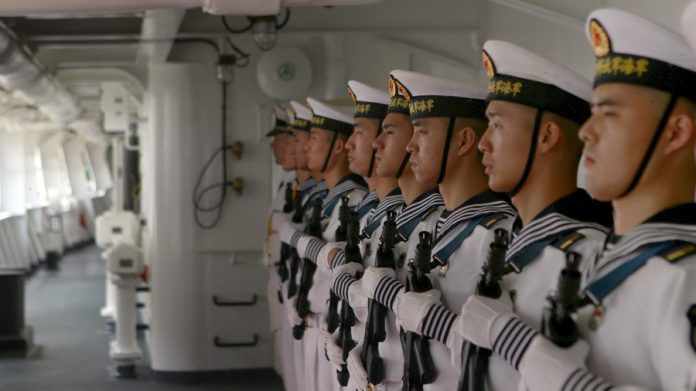 Members of the Chinese People Liberation Army Navy. © REUTERS / Manaure Quintero
