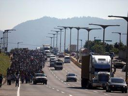 A caravan of migrants departs from San Salvador, October 31, 2018. © Reuters / Jose Cabezas