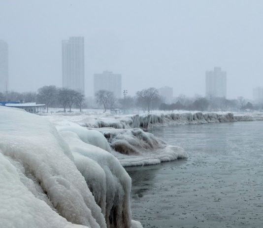 Polar vortex hitting Chicago, Illinois, U.S., January 29, 2019. © REUTERS/Pinar Istek