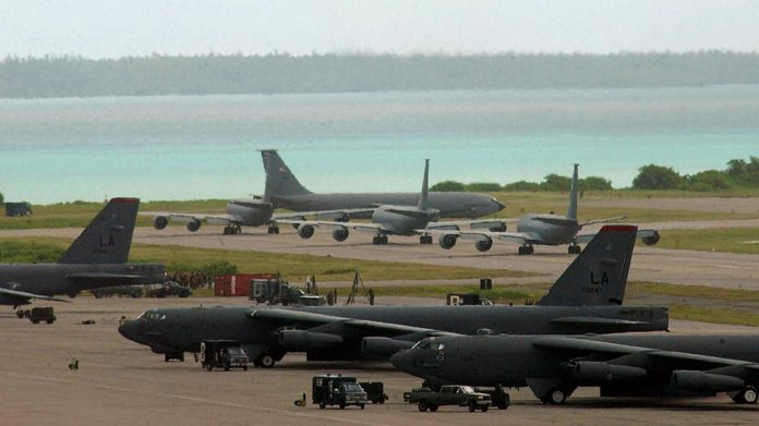 B-52 bombers on tarmac on Diego Garcia, Chagos Archipelago © Wikipedia